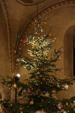 chapel-at-gfenn-christmas-tree-2016